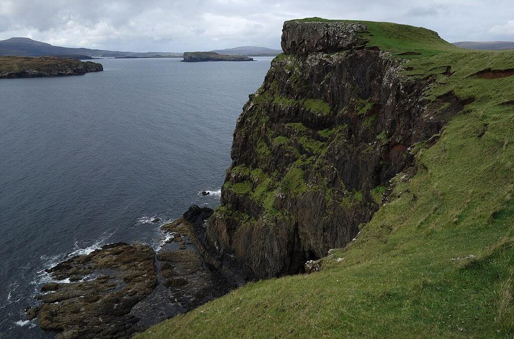 Oronsay Loch Bracadale Cliffs